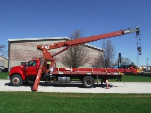 2007 FORD F750 22' FLATBED 120' TEREX CRANE
