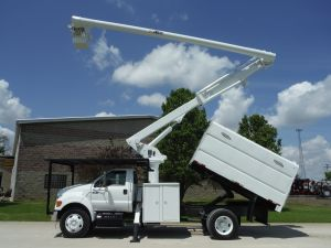 2010 FORD F750 11' SOUTHCO FORESTRY BODY 60' WORK HEIGHT ALTEC LRV55