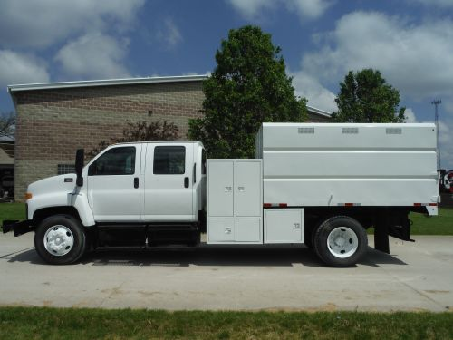 2009 GMC C7500 4 DOOR CREW CAB 11' SOUTHCO CHIP BODY