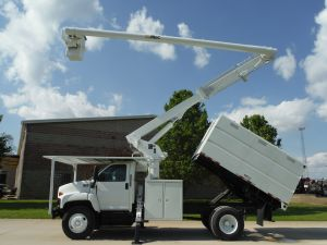 2005 GMC C7500 11' SOUTHCO FORESTRY BODY 60' WORK HEIGHT ALTEC LRV55