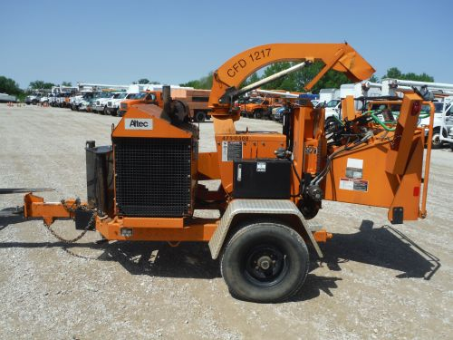 2008 WOOD CHUCK HYROLLER 1200 CHIPPER