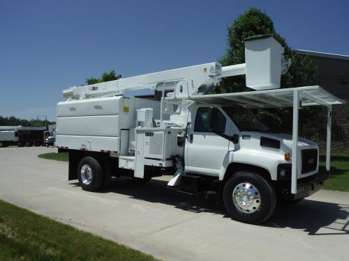 2009 GMC C7500 11' SOUTHCO FORESTRY BODY 75' WORK HEIGHT ALTEC LRV 60-70
