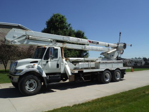2006 INTERNATIONAL 7400 20' FLATBED 95' WORK HEIGHT TEREX