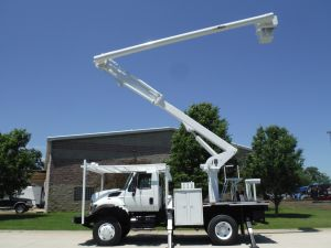 2011 INTERNATIONAL 7400 4X4 10' ALTEC FLATBED 62' ALTEC FLATBED 62' WORK HEIGHT ALTEC LRV57 REAR MOUNT MODEL BOOM