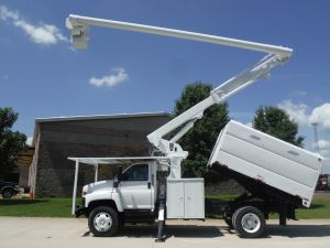 2007 GMC C7500 11' SOUTHCO FORESTRY BODY 61' WORK HEIGHT ALTEC LRV56 MODEL BOOM