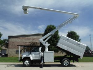 2008 GMC C7500 11' SOUTHCO FORESTRY BODY 60' WORK HEIGHT ALTEC LRV55 MODEL BOOM