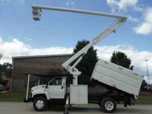 2004 GMC C7500, 11' SOUTHCO FORESTRY BODY, 60' WORK HEIGHT ALTEC LRV55 MODEL BOOM