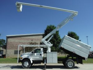 2007 FORD F750 11' SOUTHCO FORESTRY BODY 61' WORK HEIGHT ALTEC LRV56 MODEL BOOM