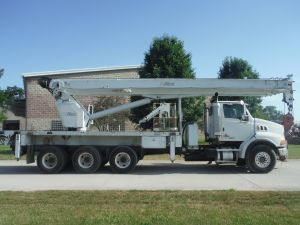 2007 STERLING ACTERRA 22' ALTEC FLATBED 38 TON 167' 5 STAGE HYDRAULIC ALTEC AC 32-127S MODEL CRANE