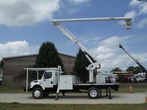2006 FREIGHTLINER BUSINESS CLASS M2 4X4 14' ALTEC FLATBED 60' WORK HEIGHT ALTEC LRV55