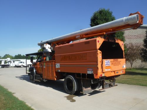 2003 GMC C7500 11' SOUTHCO FORESTRY BODY 75' WORK HEIGHT ALTEC LRV6070 ELEVATOR MODEL BOOM