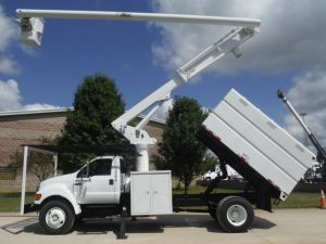 2006 FORD F750 11' SOUTHCO FORESTRY BODY 61' WORK HEIGHT ALTEC LRV56 MODEL BOOM