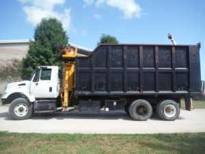 2005 INTERNATIONAL 7500 6X4 20' VORTEX BED, 26' REACH ROTOBEC LOG LOADER