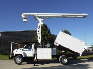 2009 GMC C7500 11 FT SOUTHCO FORESTRY BODY 75 FT WORK HEIGHT ALTEC LRV6070 ELEVATOR MODEL BOOM