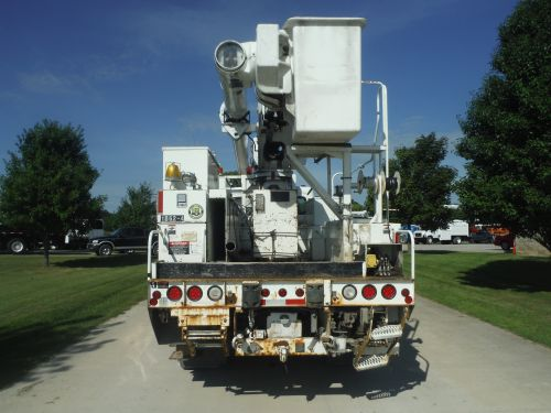 2007 FREIGHTLINER M2 BUSINESS CLASS 4X4 14' ALTEC UTILITY BED 60' WORK HEIGHT ALTEC LRV55