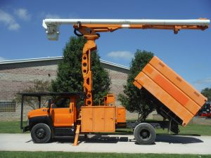 2006 GMC C7500 11' SOUTHCO FORESTRY BODY 75' WORK HEIGHT ALTEC LRV 60-70 ELEVATOR MODEL BOOM