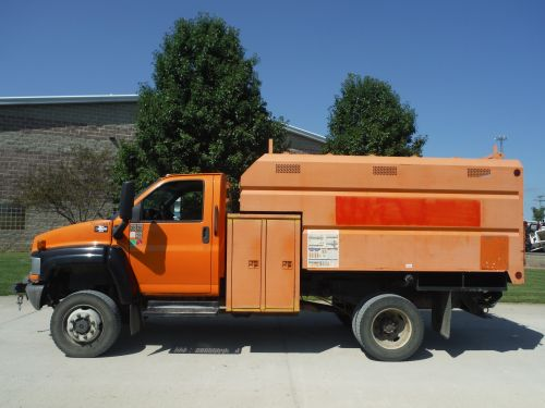 2005 GMC C4500 4X4 11' SOUTHCO CHIP BODY