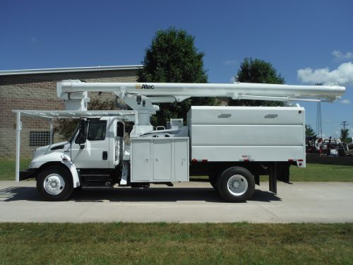 2009 INTERNATIONAL 4300 11' SOUTHCO FORESTRY BODY 75' WORK HEIGHT ALTEC LRV60-70 ELEVATOR MODEL BOOM