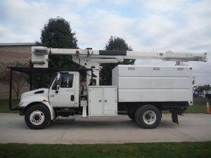 2004 INTERNATIONAL 4300 11' SOUTHCO FORESTRY BODY 60' WORK HEIGHT TEREX HI RANGER XT55 MODEL BOOM