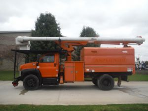 2009 GMC C7500, 11' ALTEC FORESTRY BODY, 61' WORK HEIGHT ALTEC LRV56 MODEL BOOM
