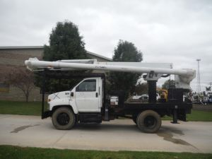 2007 GMC C7500, 12' ALTEC FLATBED, 62' WORK HEIGHT ALTEC LRV57 MODEL BOOM