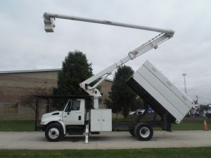 2005 INTERNATIONAL 4300, 11' SOUTHCO FORESTRY BODY, 65' WORK HEIGHT ALTEC LRV60 MODEL BOOM