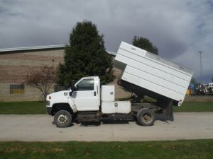 2008 CHEVROLET C5500 4X4 14 FT SCHODORF REMOVABLE TOP CHIP BODY W/ L SHAPE TOOL BOXES