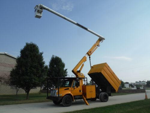 2005 INTERNATIONAL 4300, 11' SOUTHCO FORESTRY BODY, 61' WORK HEIGHT ALTEC LRV56 MODEL BOOM
