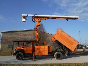 2004 GMC C7500, 11' SOUTHCO FORESTRY BODY, 75' WORK HEIGHT ALTEC LRV60-70 ELEVATOR MODEL BOOM
