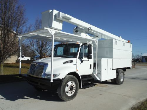 2010 INTERNATIONAL 4300, 11'X8' DAKOTA BODIES FORESTRY BODY, 60' WORK HEIGHT TEREX HI-RANGER XT-55