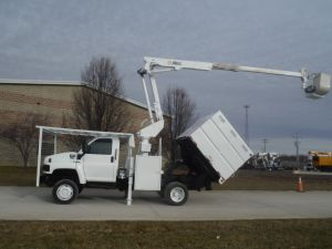 2006 GMC C5500 4X4, 7' SOUTHCO FORESTRY BODY, 42' WORK HIEGHT ALTEC AT37-G