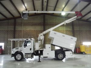 2010 FREIGHTLINER BUSINESS CLASS M2, 11' READING FORESTRY BODY, 60' WORK HEIGHT AERIAL LIFT 60505OL4H MODEL BOOM