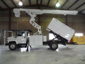 2007 GMC C7500, 11' SOUTHCO FORESTRY BODY, 75' WORK HEIGHT ALTEC LRV60-70 ELEVATOR MODEL BOOM