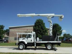 2011 INTERNATIONAL 7300 4X4 FLATBED 75' WORK HEIGHT ALTEC LRV60-70 REAR MOUNT ELEVATOR MODEL BOOM