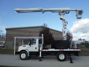 2008 INTERNATIONAL 4300 FLATBED 75 FT WORK HEIGHT ALTEC LRV60-70 REAR MOUNT ELEVATOR MODEL BOOM