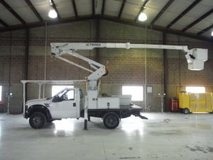 2009 FORD F550, 10' FLATBED, 43' WORK HEIGHT TEREX HI-RANGER LT38 MODEL BOOM