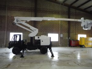 2006 ALTEC WOODCHUCK BACKYARD LIFT 42' WORK HEIGHT ALTEC AT37GR