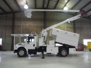 2010 FREIGHTLINER M2, 11' READING FORESTRY BODY, 60' WORK HEIGHT AERIAL LIFT 6050 MODEL BOOM