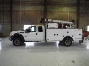 2012 FORD F550 4X4, 11' IMT SERVICE BED, IMT 7500LBS CRANE