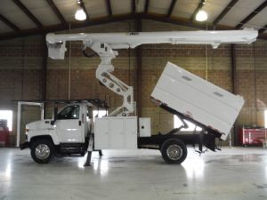 2009 GMC C7500, 11' SOUTHCO FORESTRY BODY, 75' WORK HEIGHT ALTEC LRV60-70 ELEVATOR MODEL BOOM