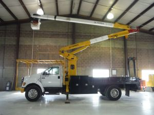 2007 FORD F750 16 FT FLATBED 60 FT TEREX HI-RANGER XT 55 MODEL BOOM