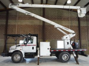 2008 INTERNATIONAL 4300 14 FT FLATBED 65 FT WORK HEIGHT TEREX HI-RANGER XT60 MODEL BOOM