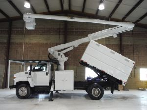 2006 GMC C7500 11 FT SOUTHCO FORESTRY BODY 60 FT WORK HEIGHT ALTEC LRV55 MODEL BOOM