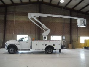 2013 DODGE RAM 5500 4X4, 12' DAKOTA BODIES UTILITY BED, 45' WORK HEIGHT VERSALIFT ST40EIH-01