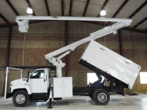 2006 GMC C7500 13 FT SOUTHCO FORESTRY BODY 65 FT WORK HEIGHT ALTEC LRV60 MODEL BOOM