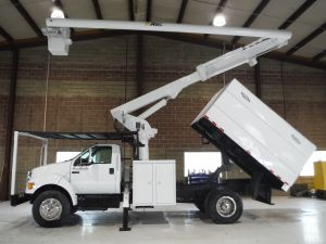 2010 FORD F750, 11' ALTEC FORESTRY BODY, 60' WORK HEIGHT ALTEC LRV55 MODEL BOOM
