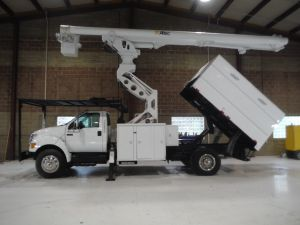 2009 FORD F750, 11' SOUTHCO FORESTRY BODY, 75' WORK HEIGHT ALTEC LRV60-70 ELEVATOR MODEL BOOM