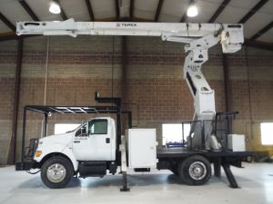 2011 FORD F750 10 FT SOUTHCO FLATBED 75 FT WORK HEIGHT TEREX HI-RANGER XT60-70 REAR MOUNT ELEVATOR MODEL BOOM