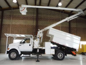 2004 FORD F750, 11' AROBRTECH FORESTRY BODY, 60' WORK HEIGHT AERIAL LIFT 605026U2264H MODEL BOOM