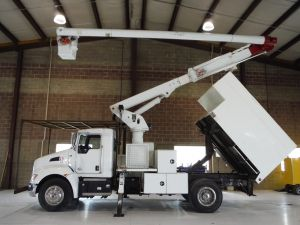 2014 KENWORTH T370, 11' ALTEC L SHAPED FORESTRY BODY, 60' WORK HEIGHT ALTEC LRV55 MODEL BOOM